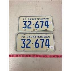 PAIR OF 1972 LICENSE PLATES WITH ORIGINAL ENVELOPE