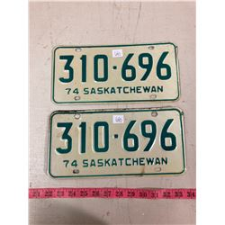 PAIR OF 1974 LICENSE PLATES WITH ORIGINAL ENVELOPE