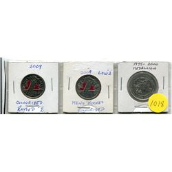 "2009 Men's Hockey Coloured (Raised and Low ""2"") Twenty-Five Cent Coins and RCM Medallion"