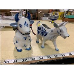 2 Hand Painted Deifts Blue Holland Vintage Cow Creamers