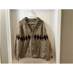 Vintage Hand Knit Wool Sweater (Size Large)