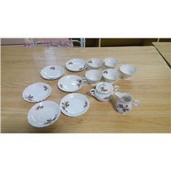 WESTVILLE FINE CHINA 5 CUPS AND SAUCERS