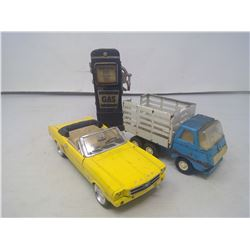FORD MUSTANG (MODEL CAR) TONKA TRUCK AND A GLASS GAS PUMP DECORATION