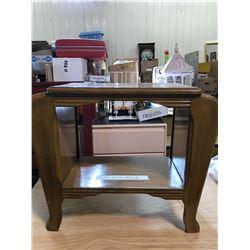SIDE TABLE (LIGHT BROWN)