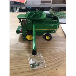TOY JOHN DEERE COMBINE IN ITS OWN BOX. THE MODEL 9750 STS COMBINE
