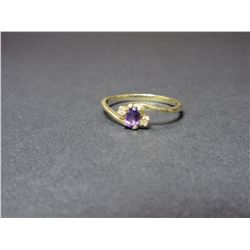10K Gold Ring W 2 Diamonds And Amethyst