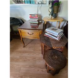 End tables, folding tables