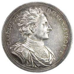 SWEDEN: Karl XII, 1697-1718, AR medal (66.61g), 1706. EF
