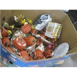 PALLET OF ASSORTED THANKSGIVING DECOR