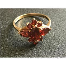 Lot 716 - Jewelry 10k Vintage Garnet Ring