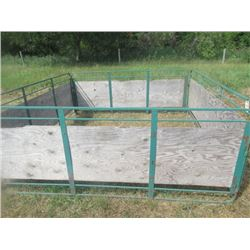 Metal & Wood Lined Temporary Show Pen 8'x8'