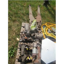 Tractor Parts off MF285, 3PH Arms, Starter, Injctors, Steering Pump, Hyd Valve, Fuel Injector, Dash