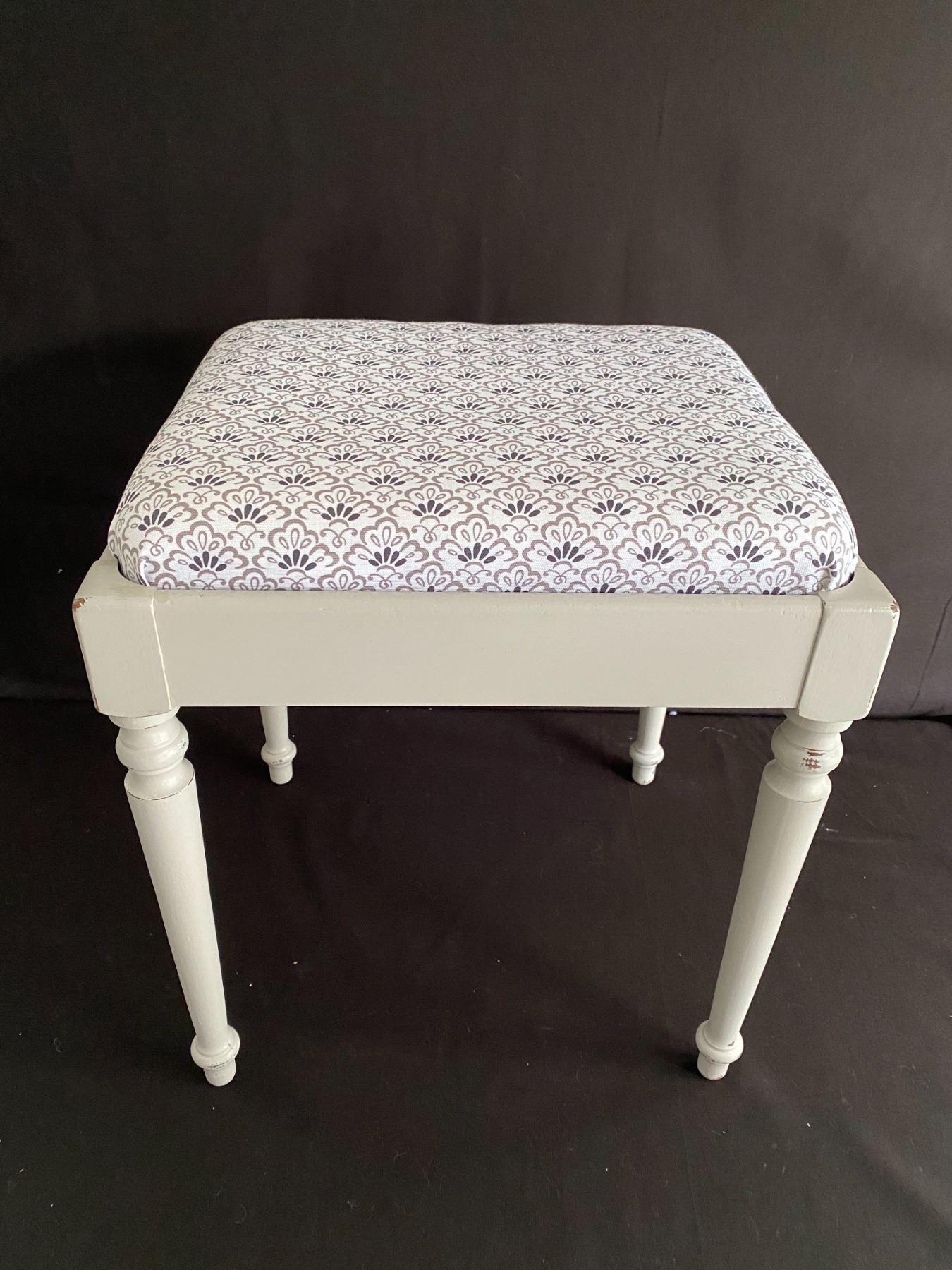 Cute Repurposed Sewing Bench