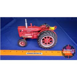 """McCormick Deering Super W4 (Scale: 1/16) Custom Tractor """"Teewater"""" (Note: Brass Plaques """"1st. Anniv."""