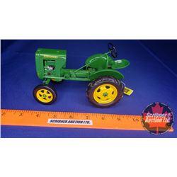 John Deere L Tractor (Scale: 1/16)
