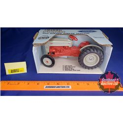 Ford NAA Golden Jubilee Tractor (Scale: 1/16)