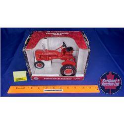 Farmall B Tractor (Scale: 1/16)