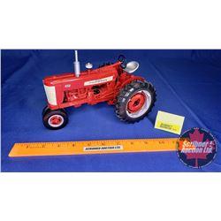 International Harvester 450 Farmall (Scale: 1/16)