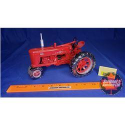 International Harvester 400 Farmall Diesel (Scale: 1/16)