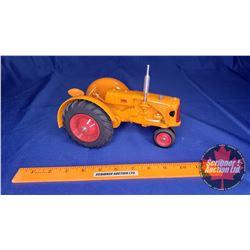 Minneapolis Moline Tractor (Scale: 1/16) - Broken Headlight