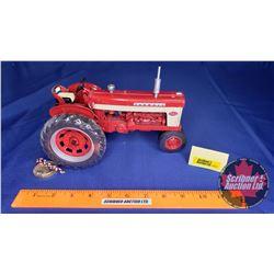Farmall 560 Diesel Precision Series #19  (Scale: 1/16)