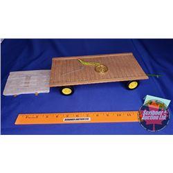 John Deere Hay Wagon Precision Classics #19  (Scale: 1/16)