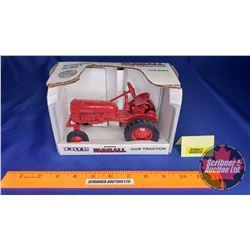 Farmall Cub Tractor (Scale: 1/16)