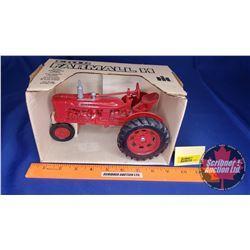 Farmall H Tractor  (Scale: 1/16)