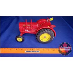 Massey-Harris Wide Front Tractor  (Scale: 1/16)