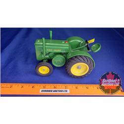 John Deere Wide Front Tractor  (Scale: 1/16)