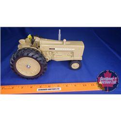 "Cockshutt 570 ""Farm Toy Museum Commemorative 1987""  (Scale: 1/16)"