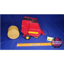 Ford 660 Auto Wrap New Holland Round Baler (Scale: 1/16)