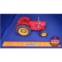 """Massey-Harris Pacemaker """"Twin Power Collector January 1990"""" (Scale: 1/16)"""
