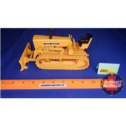 John Deere 440 Crawler w/Blade (Scale: 1/16)