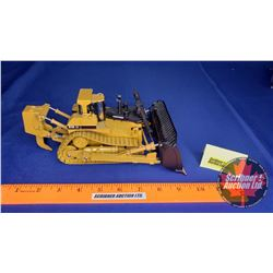 CAT D11R Carrydozer Track-Type Tractor (Scale: 1/50)