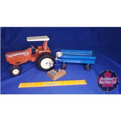 Farmer Trio (Scale: 1/16) : Allis-Chalmers One Ninety Tractor with Blue Flare Box Wagon & Model Crea