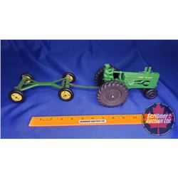 Duo (Scale: 1/16) : John Deere Tractor with Driver & Wagon Frame