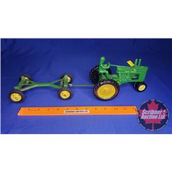Duo (Scale: 1/16) : John Deere Tractor (3rd Generation) with Driver & Wagon Frame