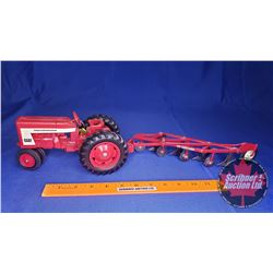 Duo (Scale 1/16) : International 404 Tractor & Four Bottom Plow