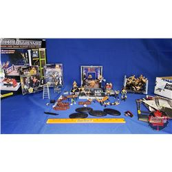 Micro Aggression Cage & Players w/Box Lot of Miniature Wrestlers