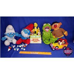 Tray Lot : Stuffed Smurfs (2); Kermit Stuffy; Ernie Stuffy; Sesame Street Radio; Snoopy & Friends Ba