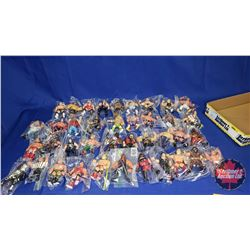 """Tray Lot : 39 Wrestling Action Figures (4-1/2""""-5""""H)"""