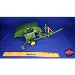 John Deere Clipper Combine (1:16 Scale) - Reel Damaged