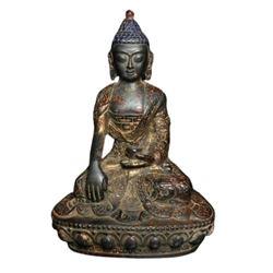 A GILT BRONZE SHAKYAMUNI BUDDHA FIGURE QING DYNASTY.