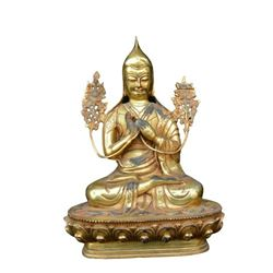 A GILT BRONZE TSONGKHAPA BUDDHA FIGURE QING DYNASTY.