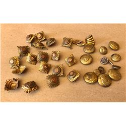 LOT OF MISC MILITARY BUTTONS