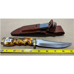 UNCLE HENRY SCHRADE MODEL HUNTING KNIFE W/ LEATHER SHEATH & SHARPENING STONE