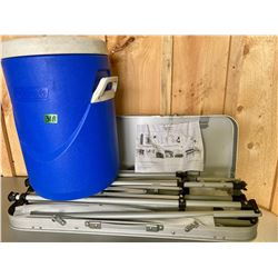 COLEMAN COOLER & CAMPING KITCHEN STAND