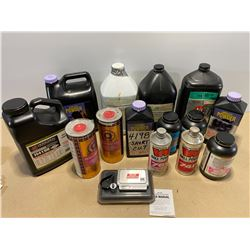 LARGE QTY OF MIXED GR RELOADING POWDERS & SCALE