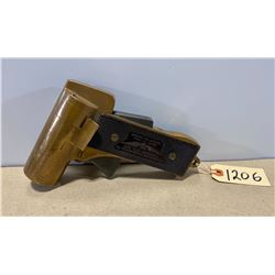 INTERNATIONAL FLARE - SIGNAL CO. NO 1 FLARE GUN 37 MM